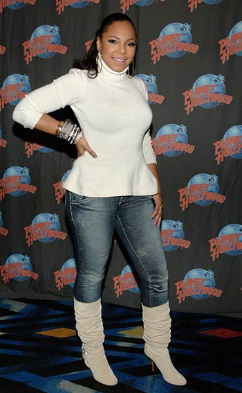 Ashanti At Planet Hollywood Charity