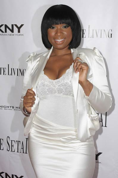 Jennifer Hudson wearing all white.
