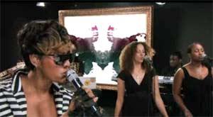 Photo: Keri Hilson performing Crazy for Pepsi Smash on Yahoo!
