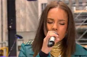 Photo of Alicia Keys performing on the Today Show