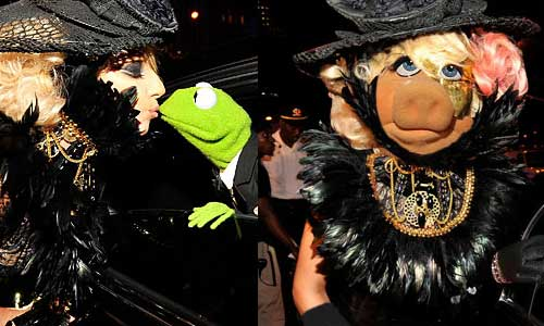 Lady GaGa vs Miss Piggy of Muppets Movie