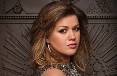 Photo of singer Kelly Clarkson