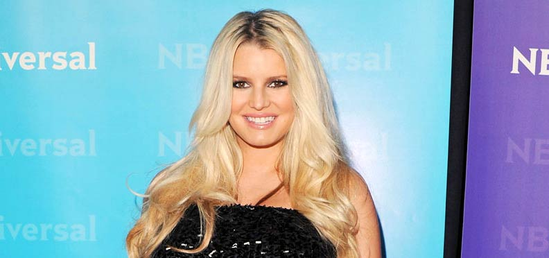 Photo of Jessica Simpson - red carpet TCA All Star