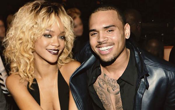 Photo - Rihanna and Chris Brown all smiles at party