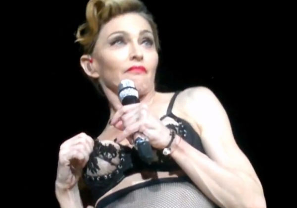 Picture - Madonna perform in Turkey MDNA Tour Human Nature