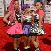 2012 BET Awards - Photo OMG Girlz on the Red Carpet