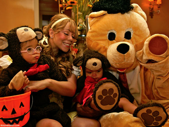 Photo - Mariah Carey, Nick Cannon, Moroccan and Monroe Halloween Outfit
