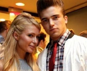 Photo of Paris Hilton and River Viiperi