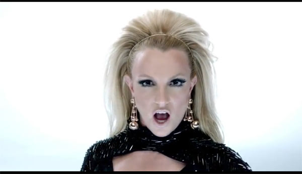 will.i.am ft Britney Spears - Scream & Shout