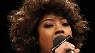 Keyshia Cole Sings National Anthem
