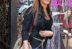 Beyonce Leaving Patricia Field out Shopping