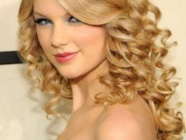 Country Singer Taylor Swift