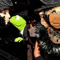 Lady GaGa vs Miss Piggy of Muppets Movie