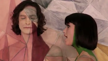 Photo – Gotye with singer Kimbra in the video Somebody That I Used To Know