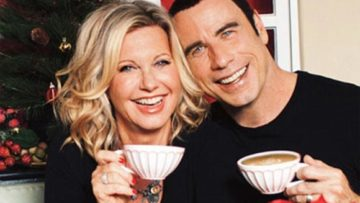 Photo – Olivia Newton-John and John Travolta – This Christmas