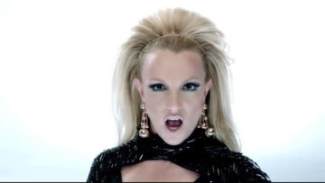 will.i.am ft Britney Spears – Scream & Shout