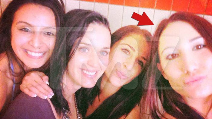 Stripper fired after posting picture with Katy Perry